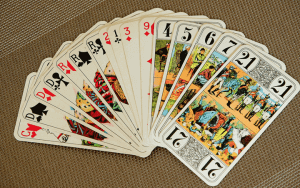 タロットカードを浄化する方法とタイミング