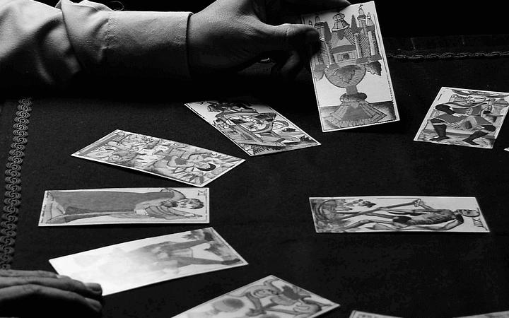 タロットカード占いを覚えるためのコツ
